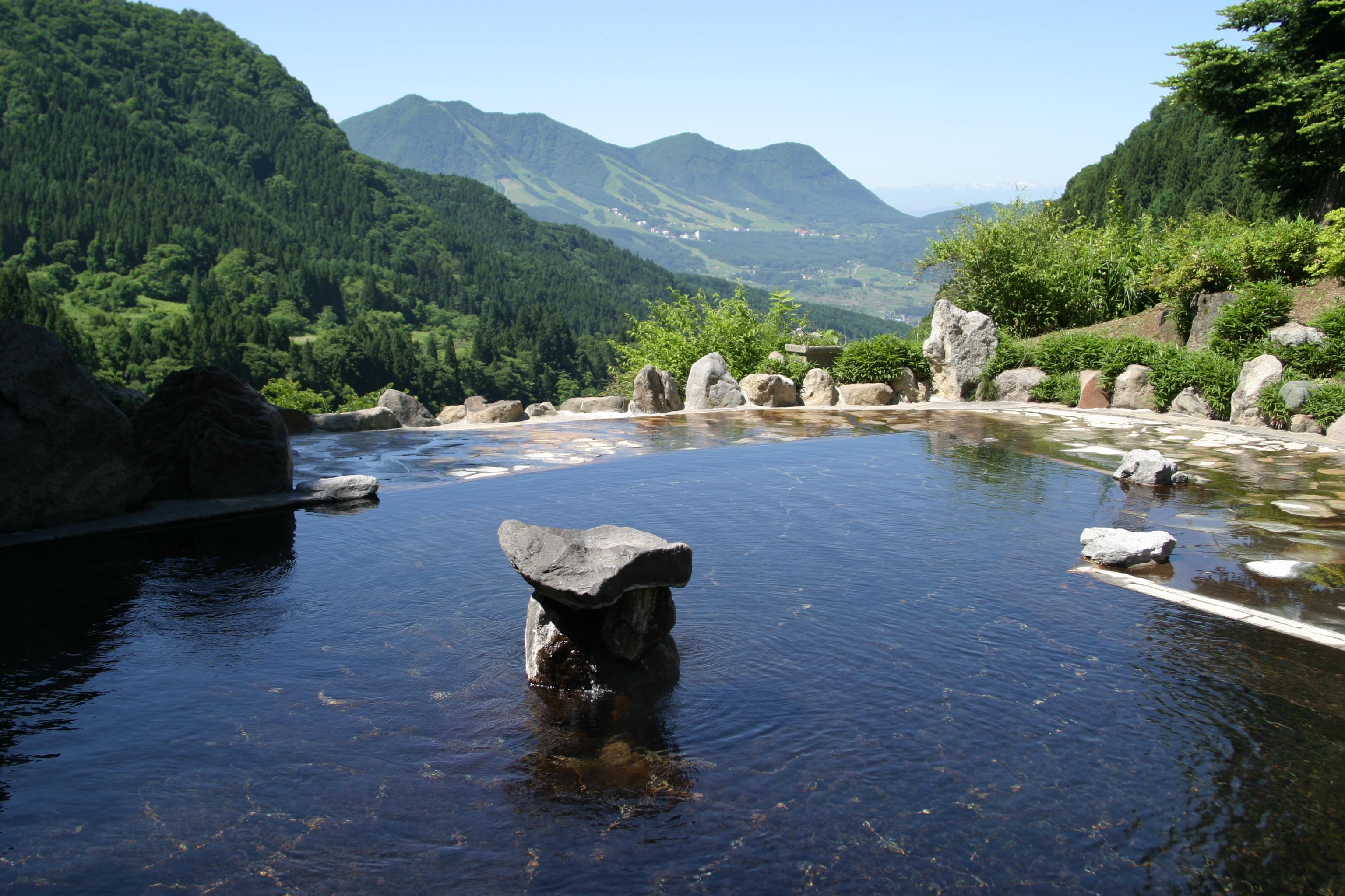 木島平村の馬曲温泉露天風呂